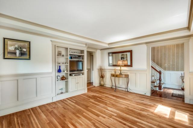 16-living-room (1).jpg