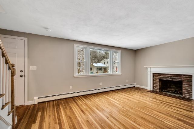 7-living-room (8).jpg
