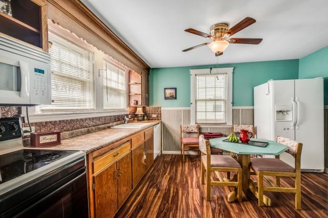 9-kitchen (14).jpg