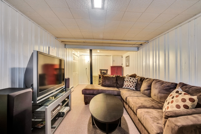 23-family-room.jpg