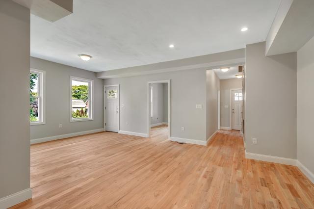 15 Washington Avenue, Stoneham MA